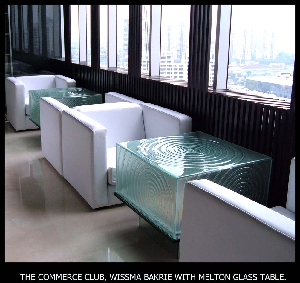 32.WISSMA BAKRIE WITH MELTON GLASS TABLE